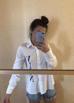 Рубашка с асимметричной длинной