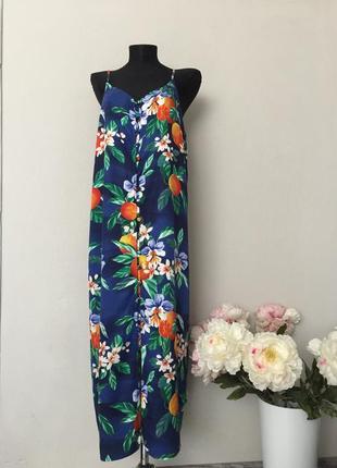 Красивое платье сарафан макси на пуговицах в цветочный принт