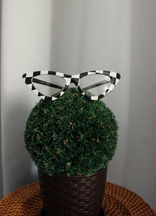 Стильные черно - белые очки кошачий глаз для чтения +1.00
