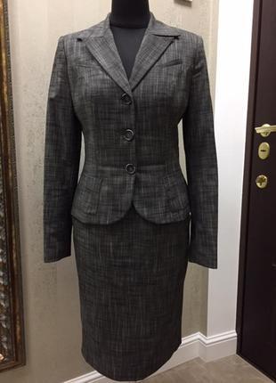 Классический деловой костюм natali bolgar, размер 38.