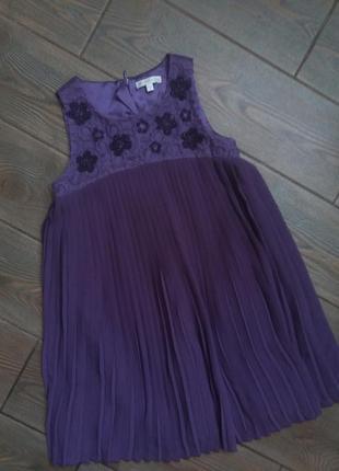 Красивое платье 116-122см в отличном состоянии