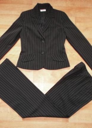 Фирменый костюм брючный черный в пороску тренд года р. s - м - orsay