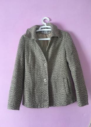 Пиджак утеплённый красивая расцветка с карманами на осень осенний