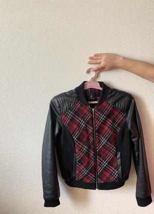Куртка , бомбер с кожаными рукавами размер s