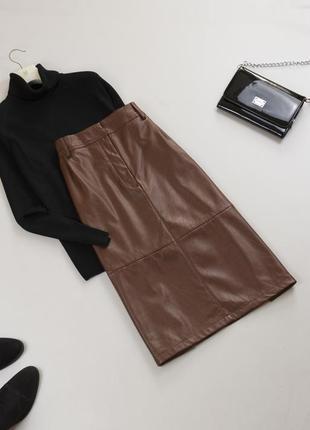 Трендовая кожаная юбка миди с высокой посадкой со складами и карманами кожзам xl