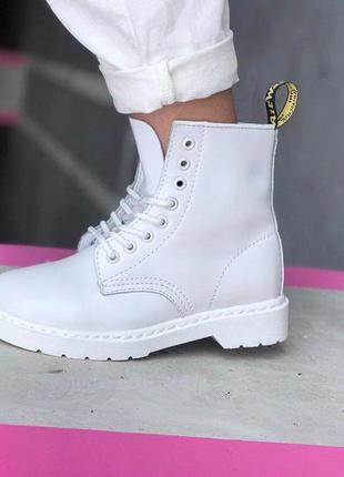Шикарные женские белоснежные ботинки dr.martens white  😍 (демисезон/ без меха)