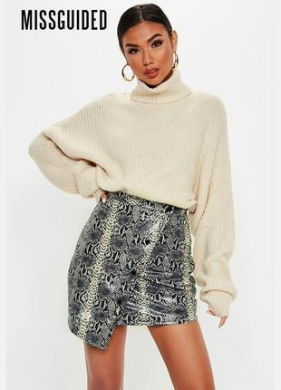 Новая асимметричная юбка с принтом змеиной кожи missguided