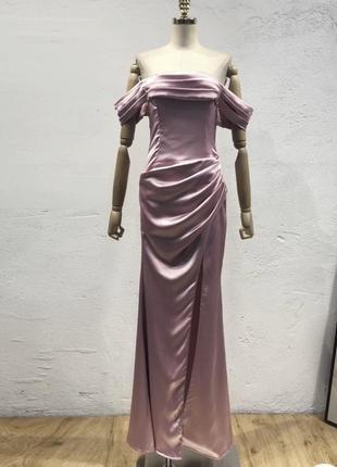 Вечернее пудровое платье