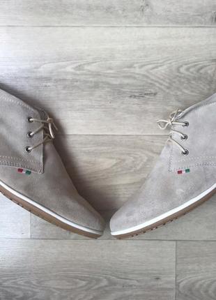 Ботинки prodotto e fabbricato in italia