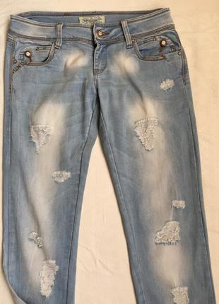 Супер джинсы с рванной тканью раз m (46)