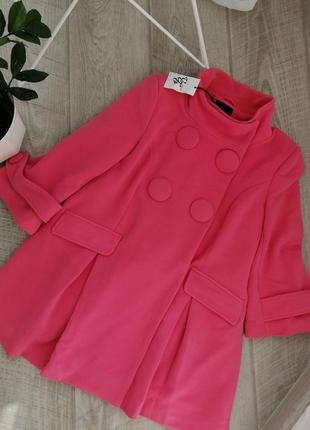 Красивое пальтишко розового цвета на подкладке а подобного силуэта vero moda