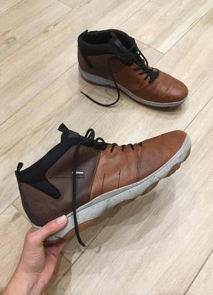 Ботинки з натуральної шкіри від geox!!!