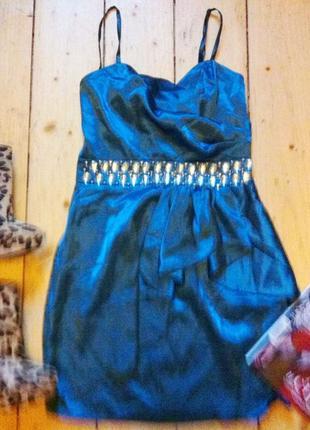 Нарядное платье камни