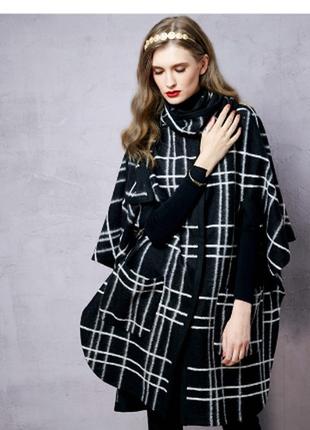Брендовое черное демисезонное шерстяное пальто пончо в клетку с поясом new look