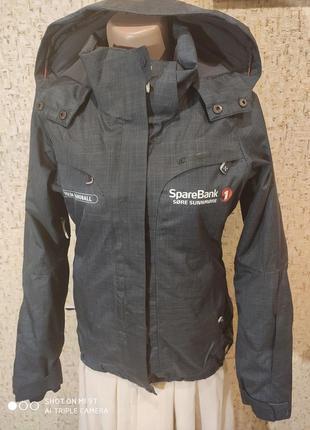 Лыжная куртка 42 размер