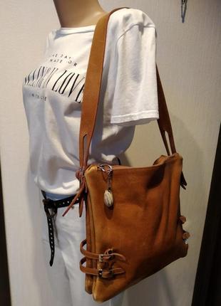 Отличная стильная сумка из натуральной кожи рыжего цвета