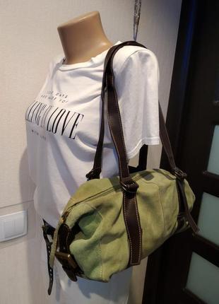 Отличная вместительная зеленая сумка из замши с кожаными ручками