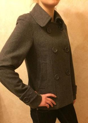 Стильное шерстяное пальто h&m