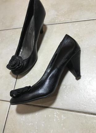 Туфли на удобном маленьком каблуке