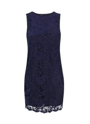 Вечернее классическое кружевное платье мини праздничное коктельное синее кружево футляр