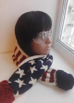 Классный маленький шарфик очень теплый с помпонами и мехом