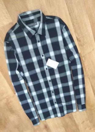 Новая с бирками, мужская  рубашка черно- белая  клетка м размер