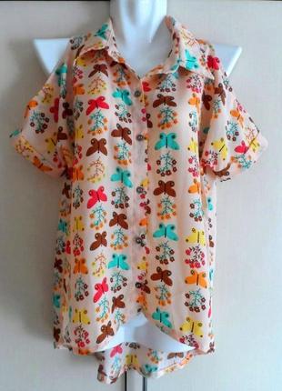 Нереально крутая блуза с вырезом на плечах