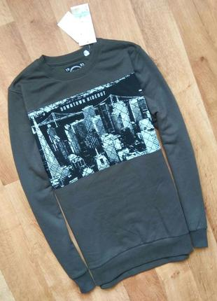 Новый с бирками мужской свитшот привезен с польши м размера (город):
