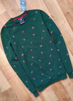 Новый с бирками мужской брендовый свитшот, тёмно зелёного цвета с сантой, м/l размера.