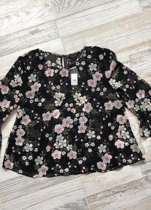 Красивая шифоновая блуза с цветочным принтом