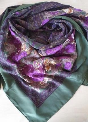 Большой, красивый платок из шелка