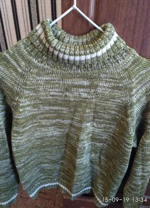 Супер свитер оливкового цвета