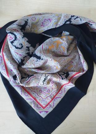 Yves saint laurent  (france)  шелковый платок