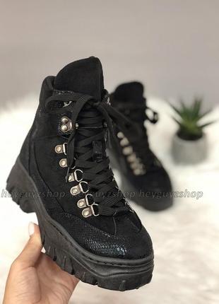 Хит 2019! ботинки на массивной тракторной подошве черные женские на шнуровке