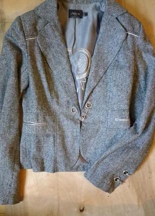 Пиджак серый с блестящей ниткой