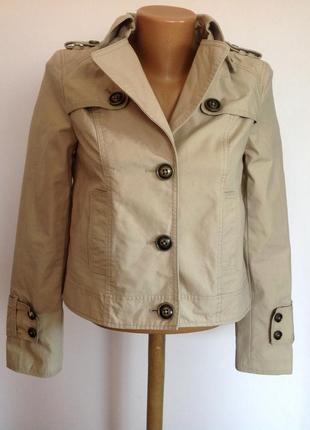 Короткая легкая курточка. /xs/ brend guess