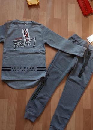 Теплый костюм начес на 10лет свитшот 140р и брюки джоггеры 146р