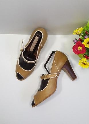 Туфли с открытым носком 40р