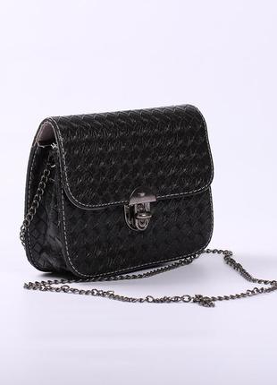 Маленькая сумочка-клатч черная на длинной цепочке