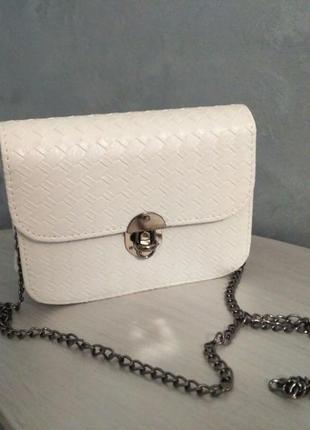 Распродажа!!! красивая маленькая сумочка, клатч на длинной цепочке (белая)