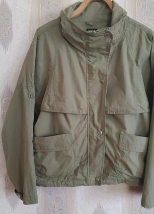 Крутая курточка ветровка р.m-l