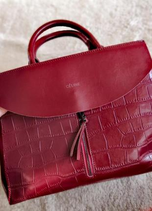 Стильная красная кожаная сумка celine