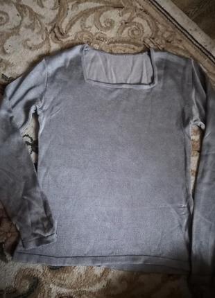 Свитер серый серебро