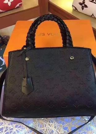 Брендовая сумка с плетеными ручками