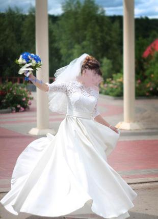 Шикарное свадебное платье цвета айвори для шикарной невесты