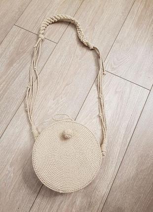 Плетёная сумка zara бежевая круглая сумочка кроссбоди бежевая