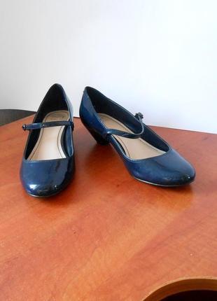 Красивые лаковые туфли от бренда marks & spencer, р.36 код k3503