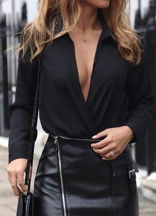 Элегантная блуза с запахом.