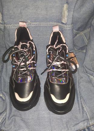 Кроссовки на высокой платформе