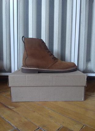Ботинки чукка дезерты clarks bushacre top beeswax leather chukka boots
